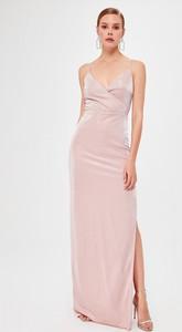 Sukienka Trendyol na ramiączkach maxi z dekoltem w kształcie litery v