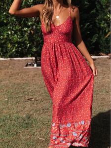 Sukienka Elegrina z dekoltem w kształcie litery v