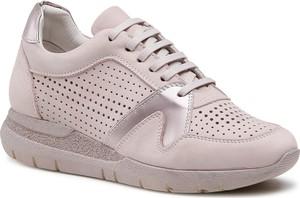 Różowe buty sportowe Badura