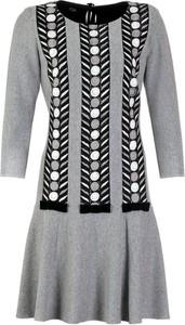Sukienka Poza w stylu etno midi z długim rękawem