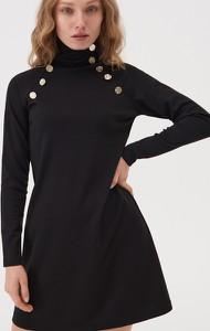 Czarna sukienka Sinsay mini dopasowana z długim rękawem