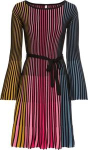 Sukienka bonprix BODYFLIRT boutique z okrągłym dekoltem z dzianiny