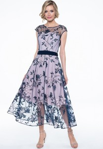Sukienka Lavard midi trapezowa z okrągłym dekoltem