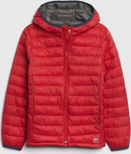 Czerwona kurtka dziecięca Gap dla chłopców