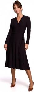 Czarna sukienka Be z długim rękawem midi z bawełny