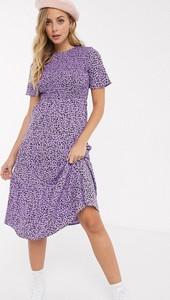 Fioletowa sukienka Influence z krótkim rękawem z okrągłym dekoltem