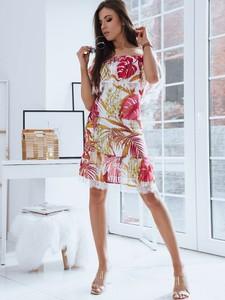 Sukienka Dstreet z krótkim rękawem trapezowa w stylu casual