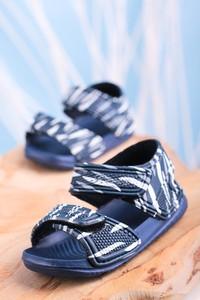 Granatowe buty dziecięce letnie Casu na rzepy