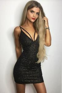 Czarna sukienka Ivet.pl mini dopasowana