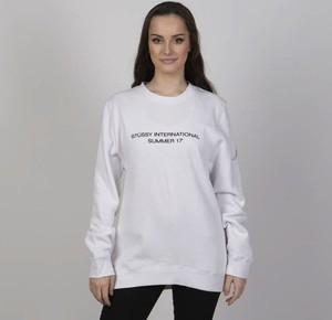 Bluza Stussy krótka w młodzieżowym stylu