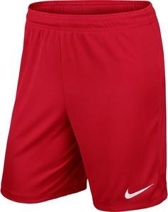 Czerwone spodenki Nike