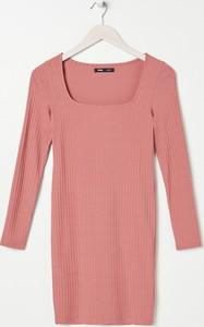 Różowa sukienka Sinsay z długim rękawem w stylu casual prosta