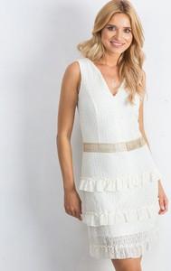 Sukienka Sheandher.pl bez rękawów mini z dekoltem w kształcie litery v