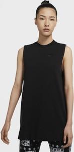 Czarna tunika Nike w sportowym stylu z dżerseju