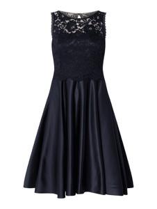 Granatowa sukienka Vera Mont z satyny