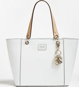 3bf2bb5af09c3 guess torebka biała. - stylowo i modnie z Allani