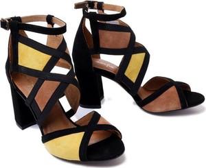Czarne sandały Maciejka z klamrami ze skóry