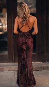 Czerwona sukienka noshame z dekoltem na plecach maxi bez rękawów