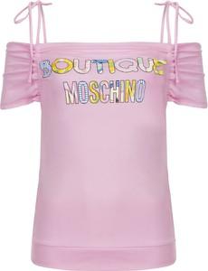 Różowa bluzka Boutique Moschino w młodzieżowym stylu
