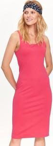 Różowa sukienka Top Secret na ramiączkach z dzianiny w stylu casual