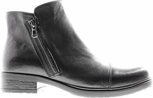 Czarne botki Lasocki z płaską podeszwą w stylu casual