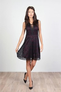 Czarna sukienka Special Dresses bez rękawów mini