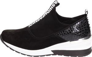 Buty sportowe Suzana ze skóry z płaską podeszwą