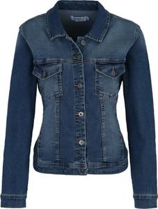 Niebieska kurtka ONLY Carmakoma krótka w stylu casual z jeansu