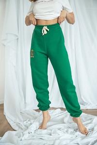 Zielone spodnie sportowe Chiara Poland w sportowym stylu