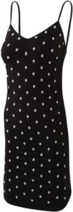 Sukienka Dedra mini z dekoltem w kształcie litery v w stylu casual