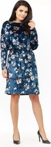 Niebieska sukienka Awama z długim rękawem