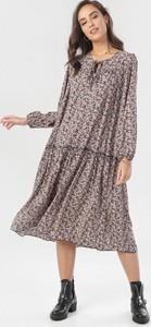 Sukienka born2be midi z długim rękawem