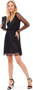Czarna sukienka Gate z długim rękawem