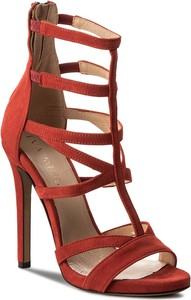 Czerwone sandały Eva Minge na szpilce na wysokim obcasie z zamszu
