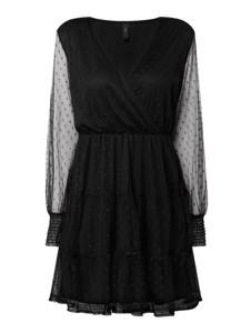 Czarna sukienka YAS z długim rękawem