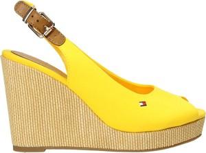 Żółte sandały Tommy Hilfiger z tkaniny z klamrami