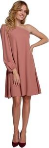 Różowa sukienka Makover
