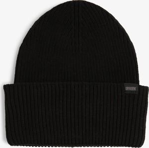 Czarna czapka Drykorn