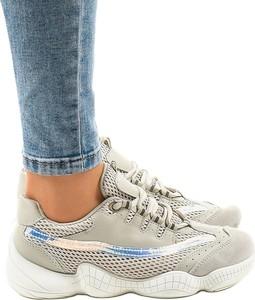Buty sportowe Butymodne sznurowane z płaską podeszwą