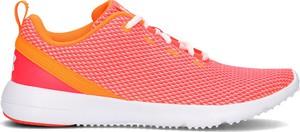 Różowe buty sportowe Under Armour sznurowane w sportowym stylu