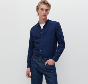 Granatowa koszula Reserved w stylu casual z długim rękawem