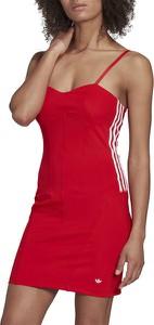 Czerwona sukienka Adidas z okrągłym dekoltem na ramiączkach