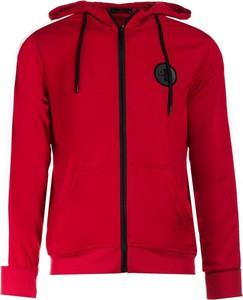 Czerwona bluza Multu