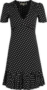 Czarna sukienka Michael Kors z krótkim rękawem z dekoltem w kształcie litery v w stylu casual