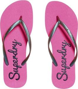 Różowe klapki Superdry w stylu casual