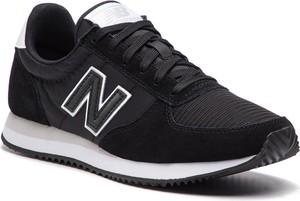 Granatowe buty sportowe New Balance z zamszu w sportowym stylu sznurowane