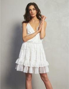 Sukienka Oho Design z dekoltem w kształcie litery v