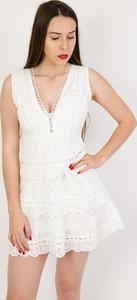 Sukienka Olika bez rękawów rozkloszowana mini