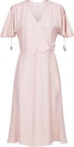 Różowa sukienka PATRIZIA ARYTON z krótkim rękawem z dekoltem w kształcie litery v kopertowa