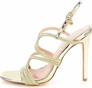 Złote sandały Prima Moda na szpilce z klamrami